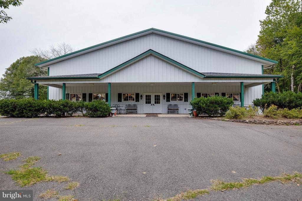 16,000+ sq. ft. Event Building - 7570 FALKLAND DR, GAINESVILLE