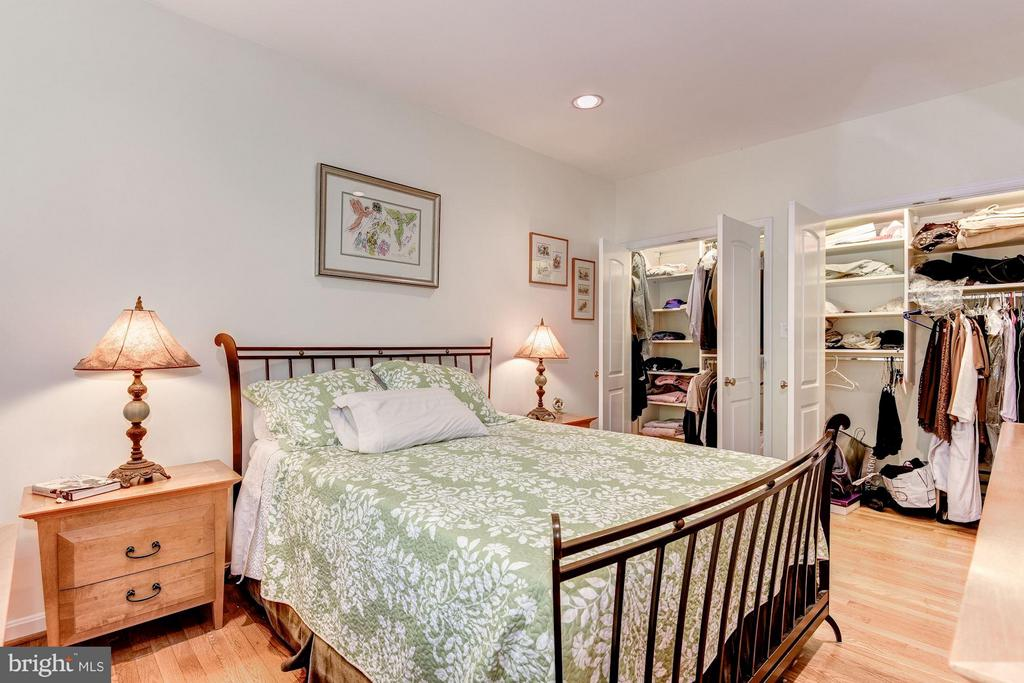 Dual Master Closets - 2126 NEWPORT PL NW, WASHINGTON