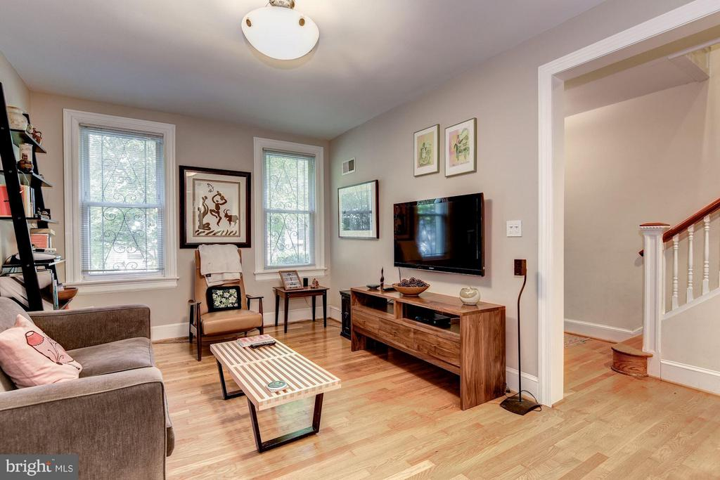 Renovated in 2011 - 2126 NEWPORT PL NW, WASHINGTON