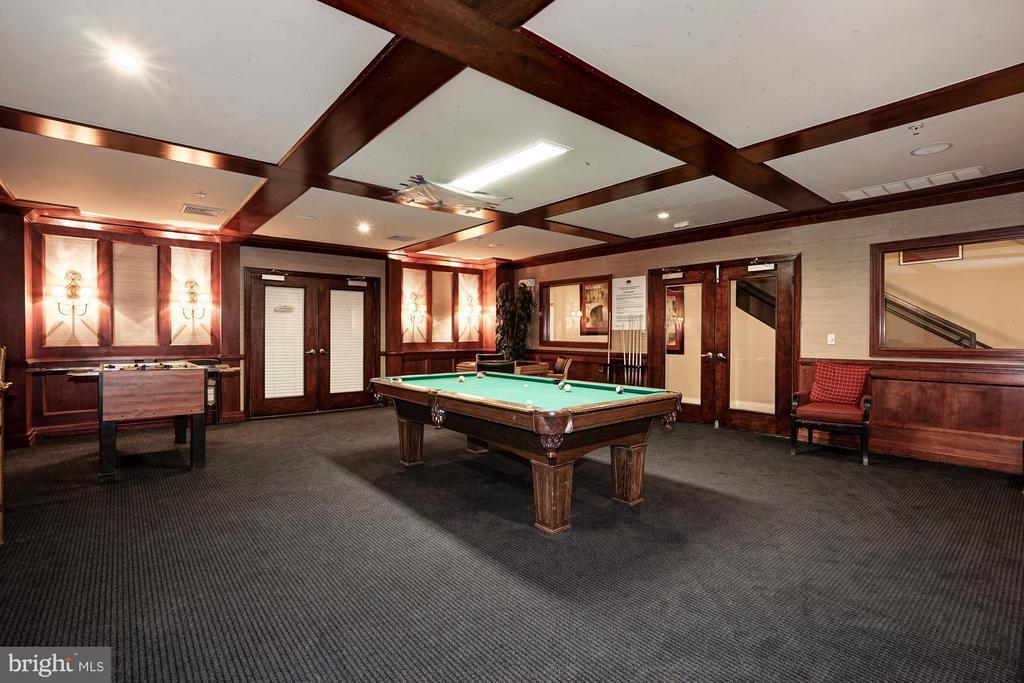 Game room - 9486 VIRGINIA CENTER BLVD #107, VIENNA