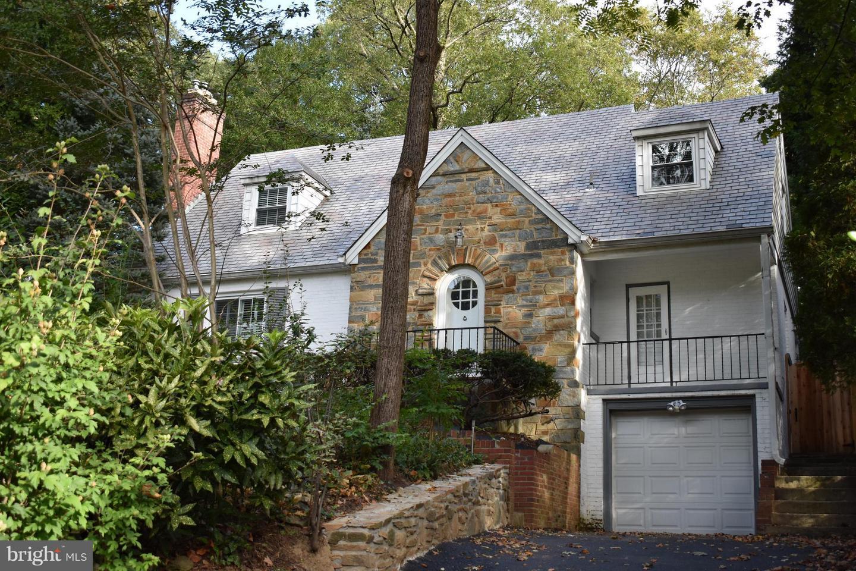 Property voor Huren op Silver Spring, Maryland 20910 Verenigde Staten