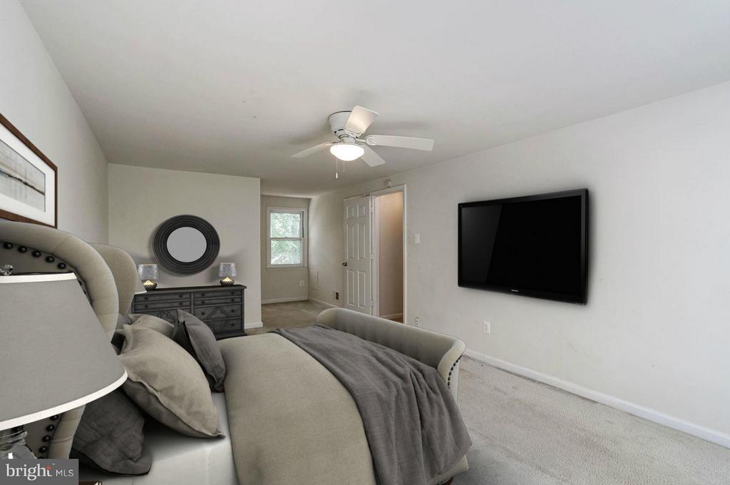 Master Bedroom (2 of 3) - 602 MERLINS LN, HERNDON