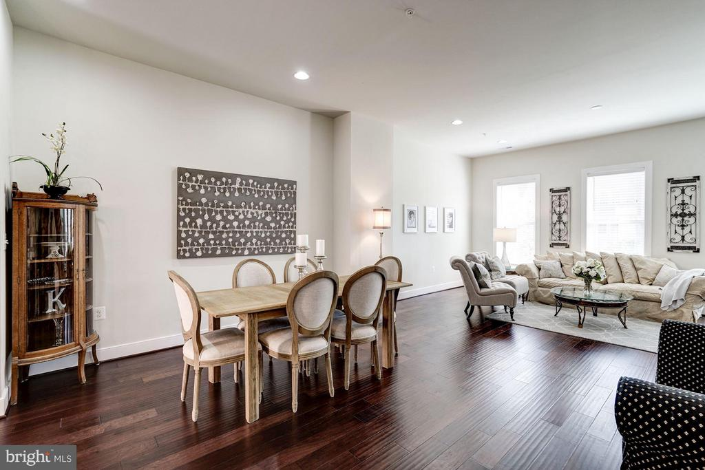 SEPARATE DINING AREA FOR FORMAL DINING - 622 CUSTIS AVE E, ALEXANDRIA