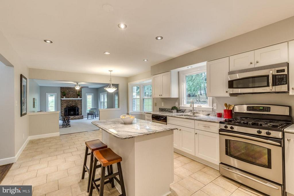 Enjoy the open floor plan from eat-in kitchen - 12105 METCALF CIR, FAIRFAX