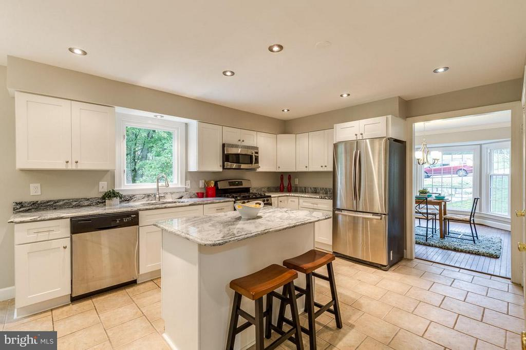 Remodeled this year enjoy new cabinets and granite - 12105 METCALF CIR, FAIRFAX