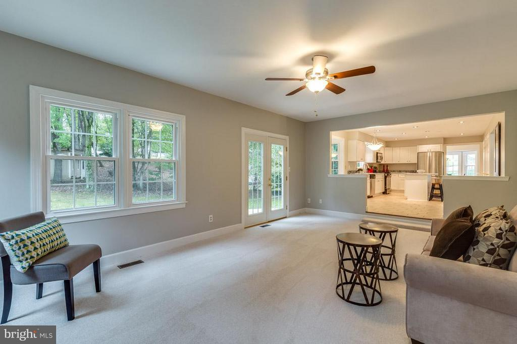 French doors to rear patio is perfect for guests. - 12105 METCALF CIR, FAIRFAX