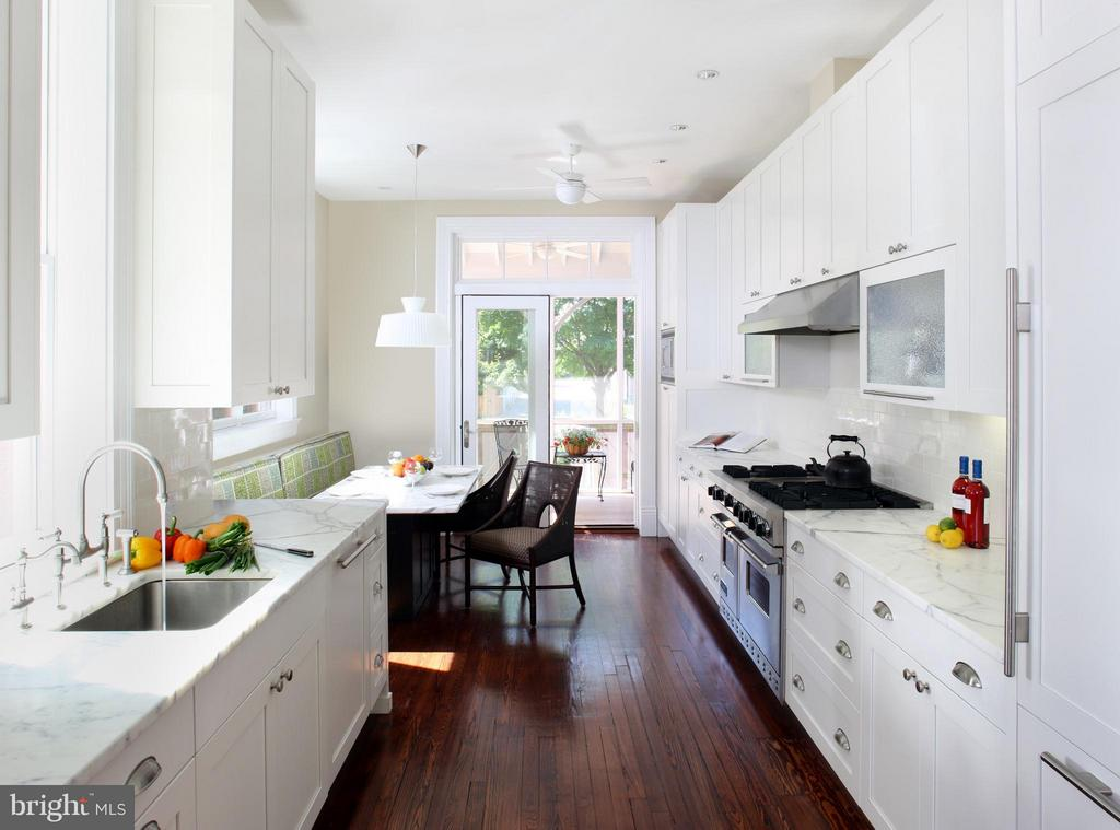 Remodeled Kitchen by renowned local architect. - 1115 EAST CAPITOL ST SE, WASHINGTON