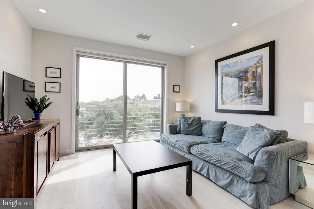 Living Room - 1350 MARYLAND AVE NE #406, WASHINGTON