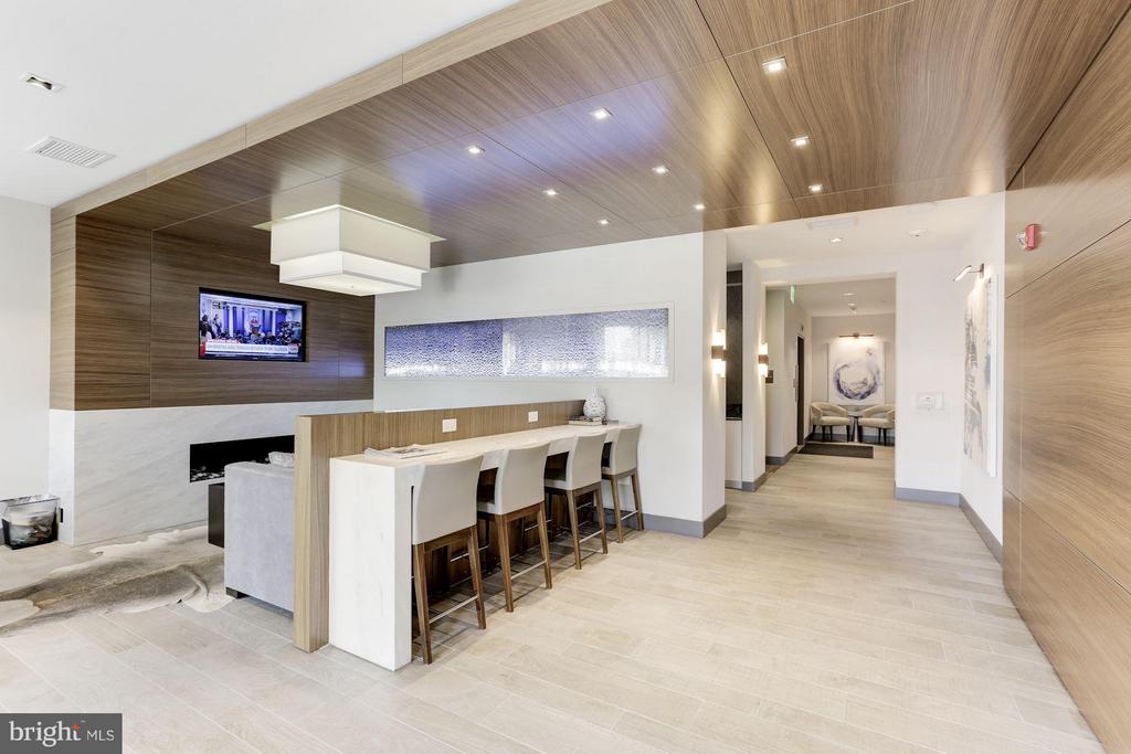 Lobby area of main entrance - 1350 MARYLAND AVE NE #406, WASHINGTON