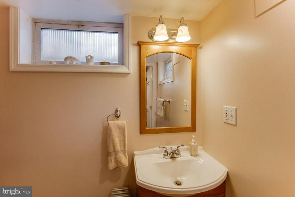 Bath # 2 in basement - 2312 VICTORY DR, ALEXANDRIA