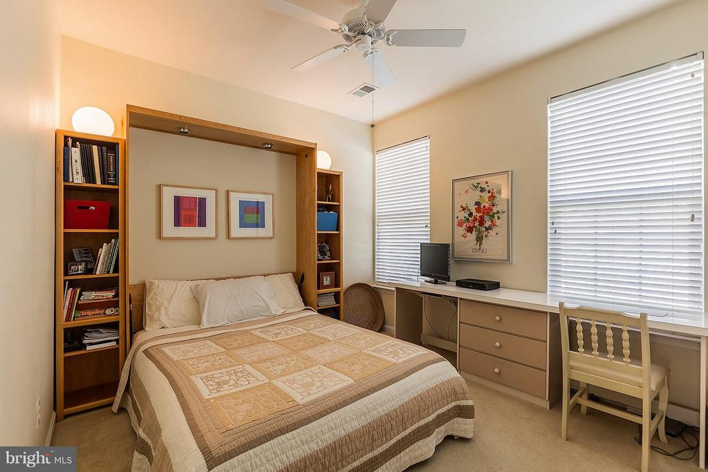 Second Bedroom with Murphy Bed that Conveys - 3858 CHAMPION OAK DR, DUMFRIES