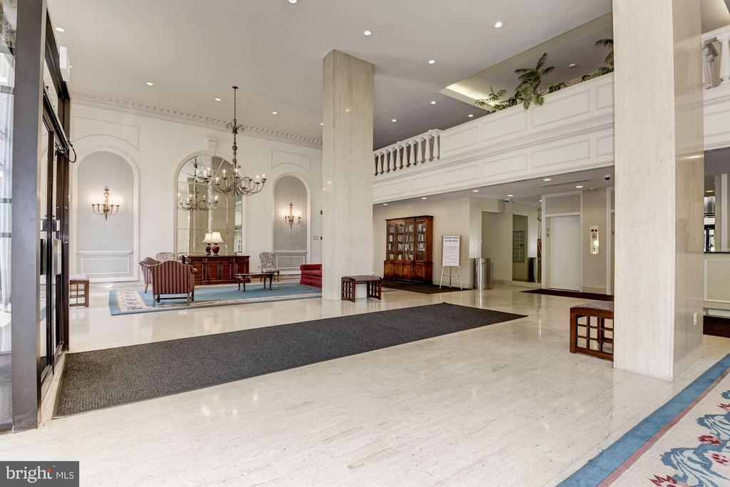Lobby with 24 hr desk - new renovation planned - 1300 ARMY NAVY DR #630, ARLINGTON