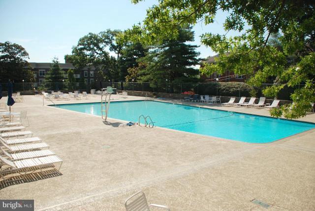 Olympic style pool - 1200 NASH ST #857, ARLINGTON