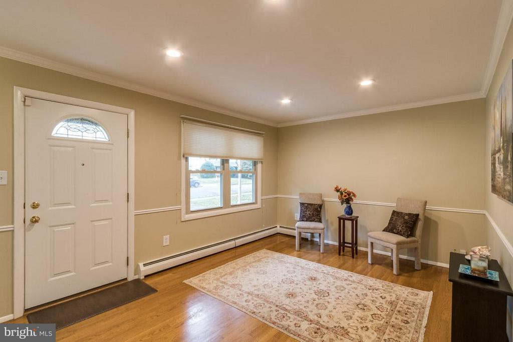 Entryway into home - 4518 EVANSDALE RD, WOODBRIDGE