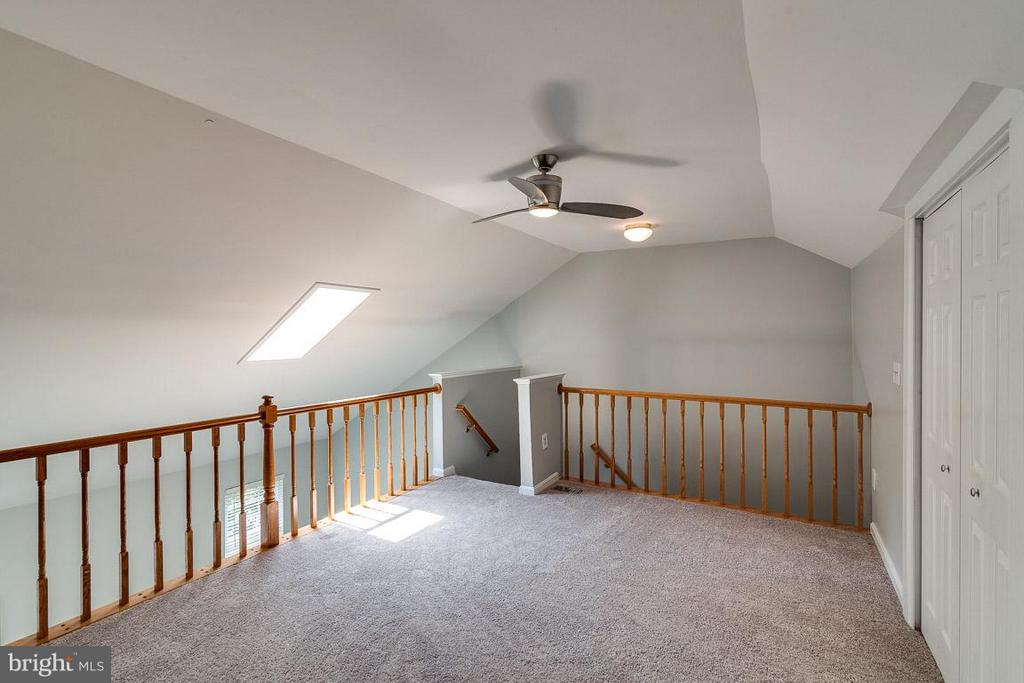 4th Story Loft/Bedroom/Office - 6051 HEATHERWOOD DR, ALEXANDRIA