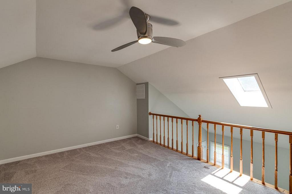 4th Story Bedroom/Loft or Office - 6051 HEATHERWOOD DR, ALEXANDRIA