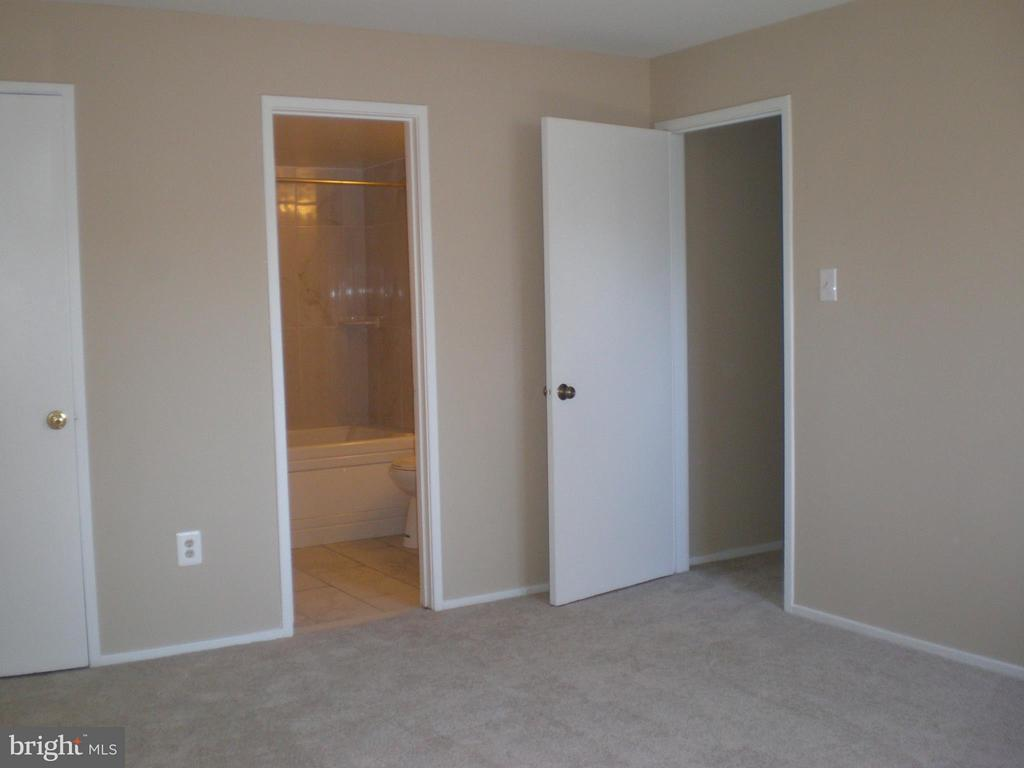 Bedroom (Master) - 551 FLORIDA AVE #T-1, HERNDON