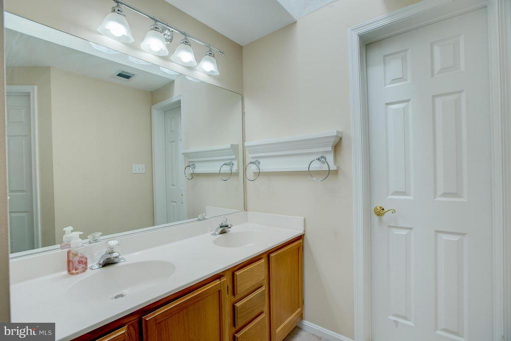 Bath (Master) - 5913 SAINT GILES WAY, ALEXANDRIA