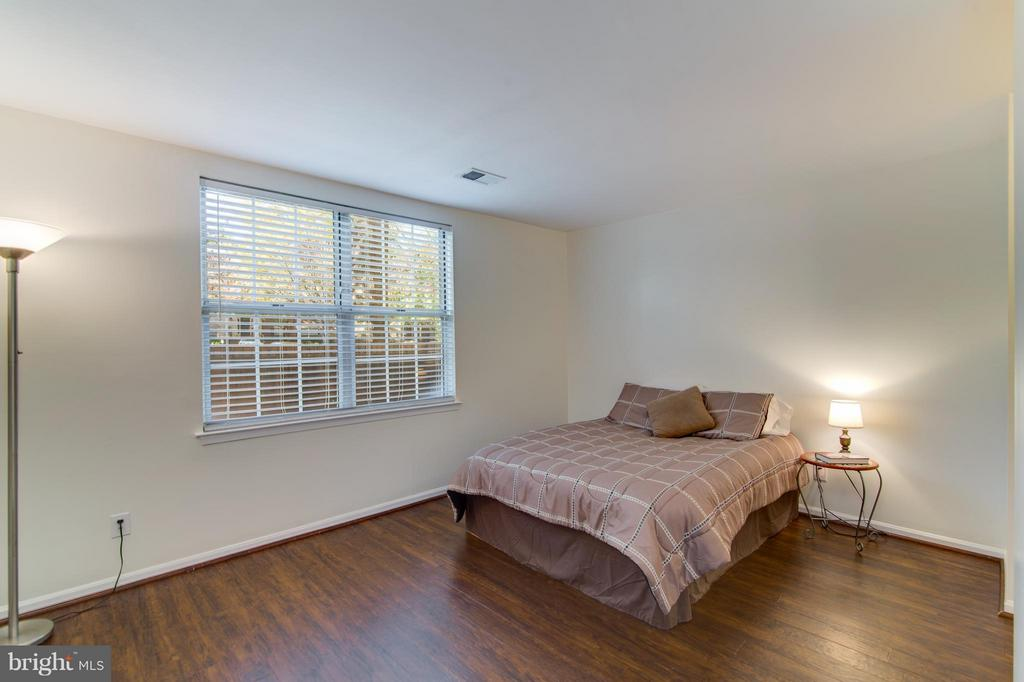 Bedroom (Master) - 3805 GREEN RIDGE CT #101, FAIRFAX