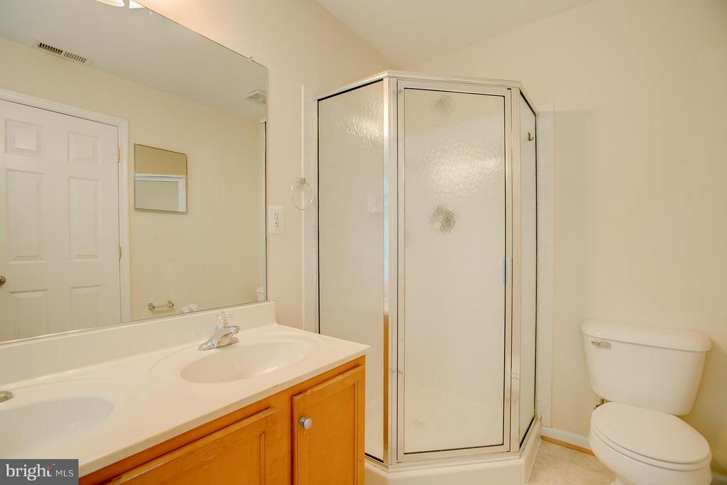 Separate Shower - 4328 NORMANDY CT, FREDERICKSBURG