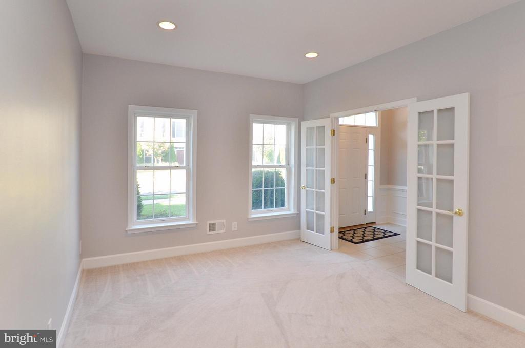 Lower Level Study/ could be used as 4th Bedroom - 2509 BRONZE STONE PL, HERNDON