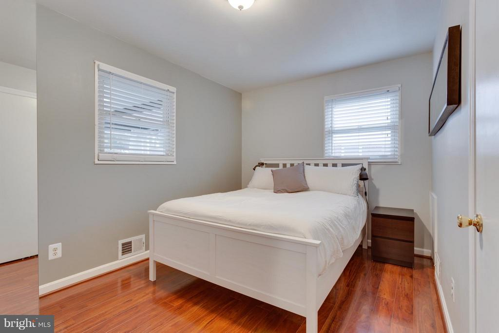 Bedroom (Master) on main level - 1407 COLUMBUS ST S, ARLINGTON