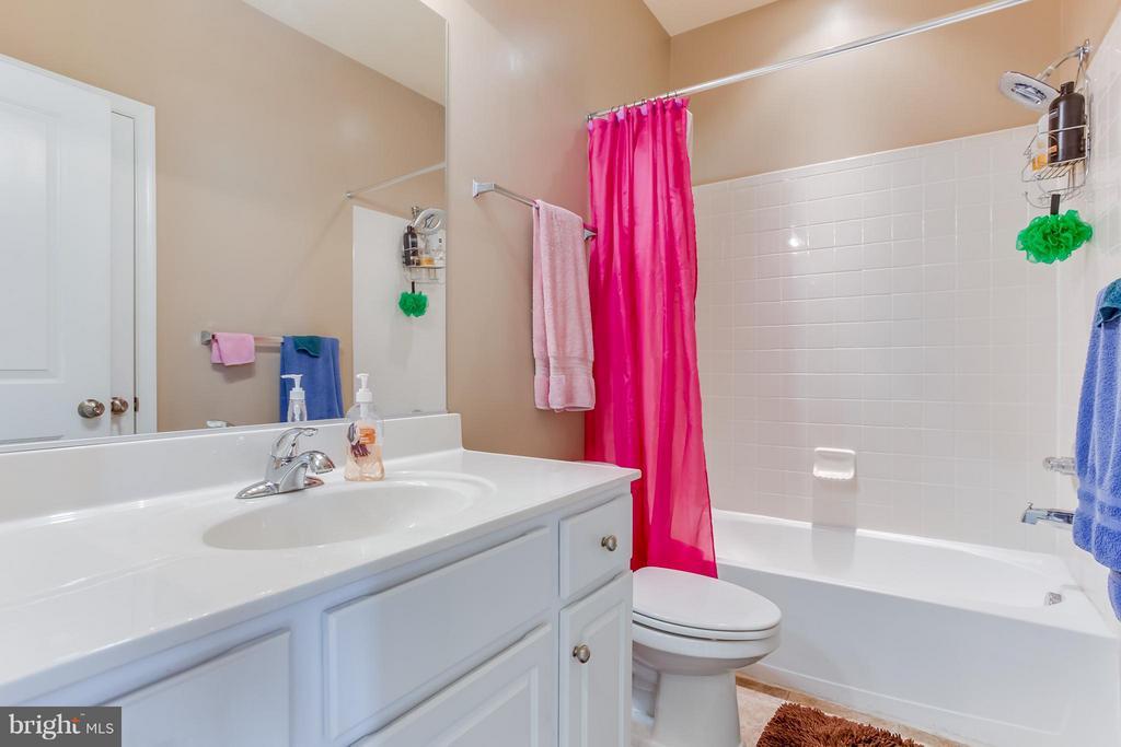 Full Bathroom 2 - 103 SHORT BRANCH RD, STAFFORD