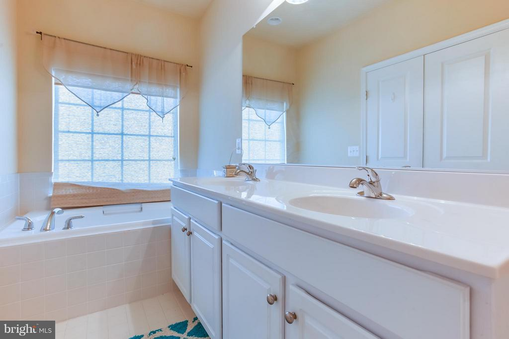 Large Soaking Tub, Double Vanities - 103 SHORT BRANCH RD, STAFFORD
