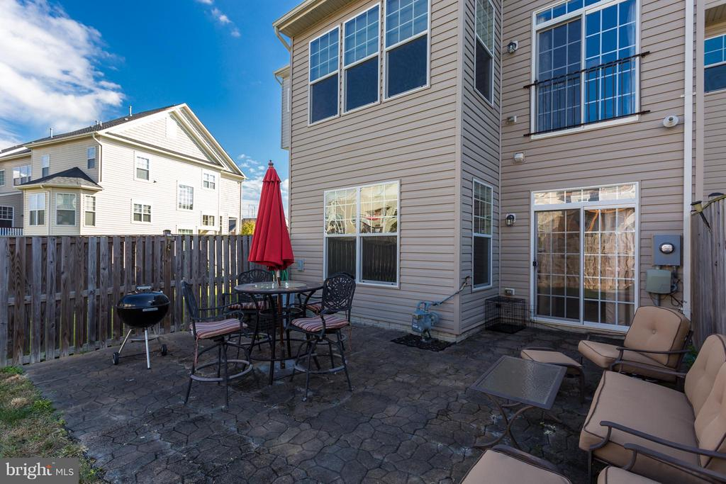 Nice Patio Area for entertaining! - 103 SHORT BRANCH RD, STAFFORD