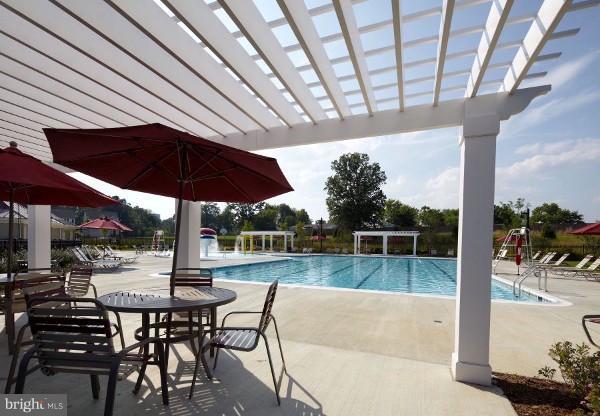 Community Pool/Lounge Area - 103 SHORT BRANCH RD, STAFFORD