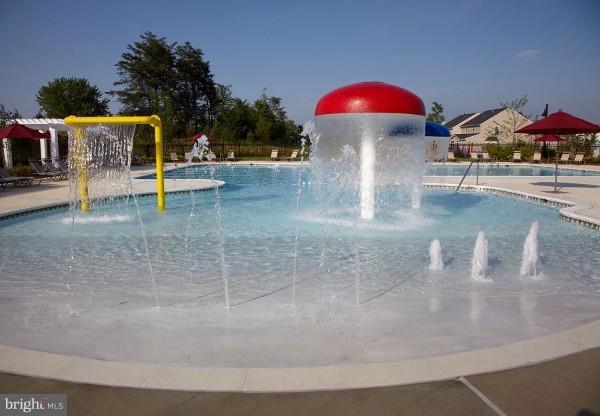 Community Outdoor Kid Pool - 103 SHORT BRANCH RD, STAFFORD