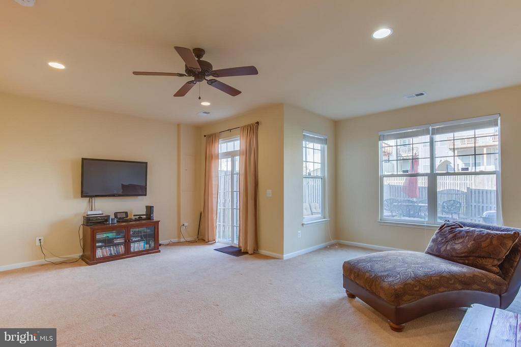 Finished Recreation Rm; Great Entertaining Space! - 103 SHORT BRANCH RD, STAFFORD