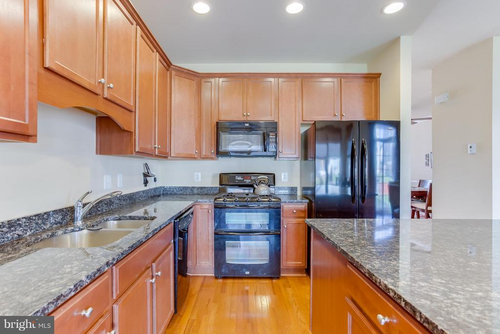 Maple Cabinets, Double Oven - 103 SHORT BRANCH RD, STAFFORD