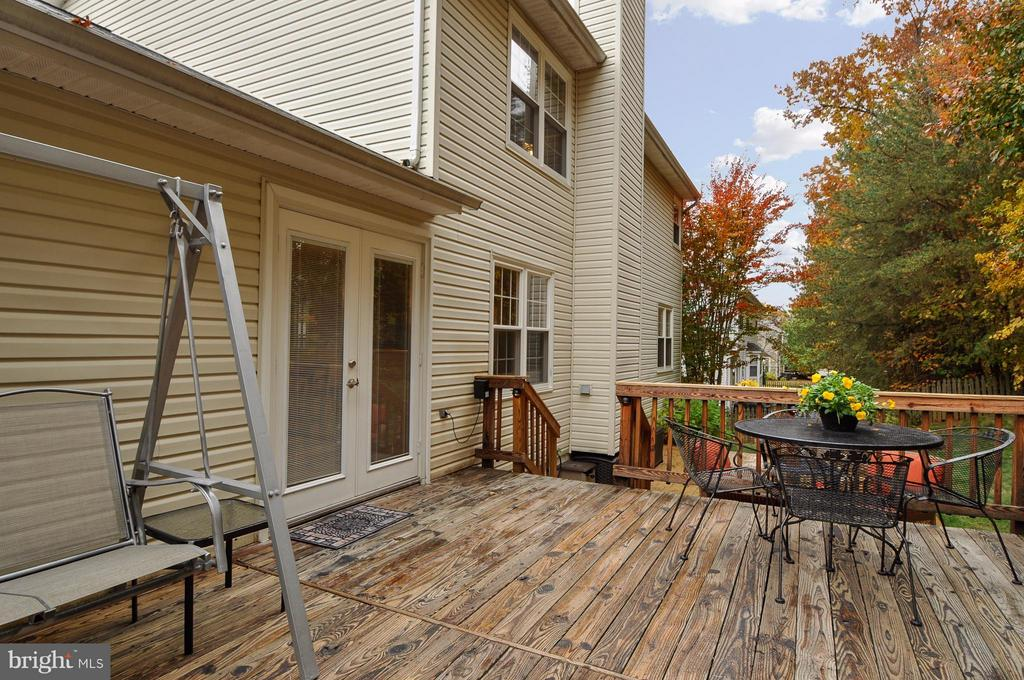 )Huge Deck For Entertaining - 3 JUSTIN CT, STAFFORD