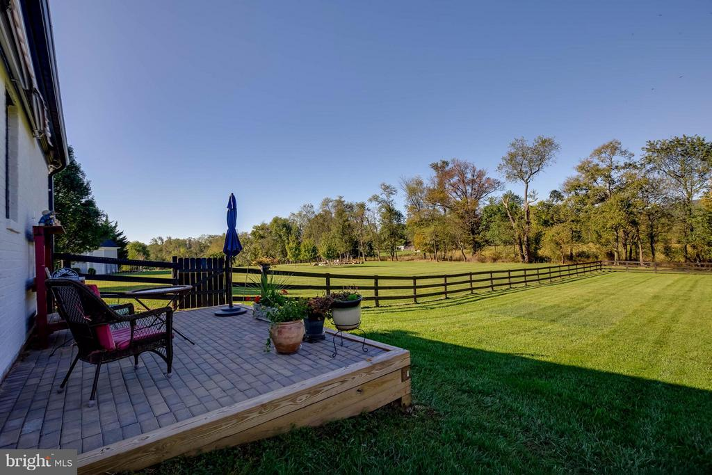 Beautiful Mountain Views - 38242 MILLSTONE DR, PURCELLVILLE