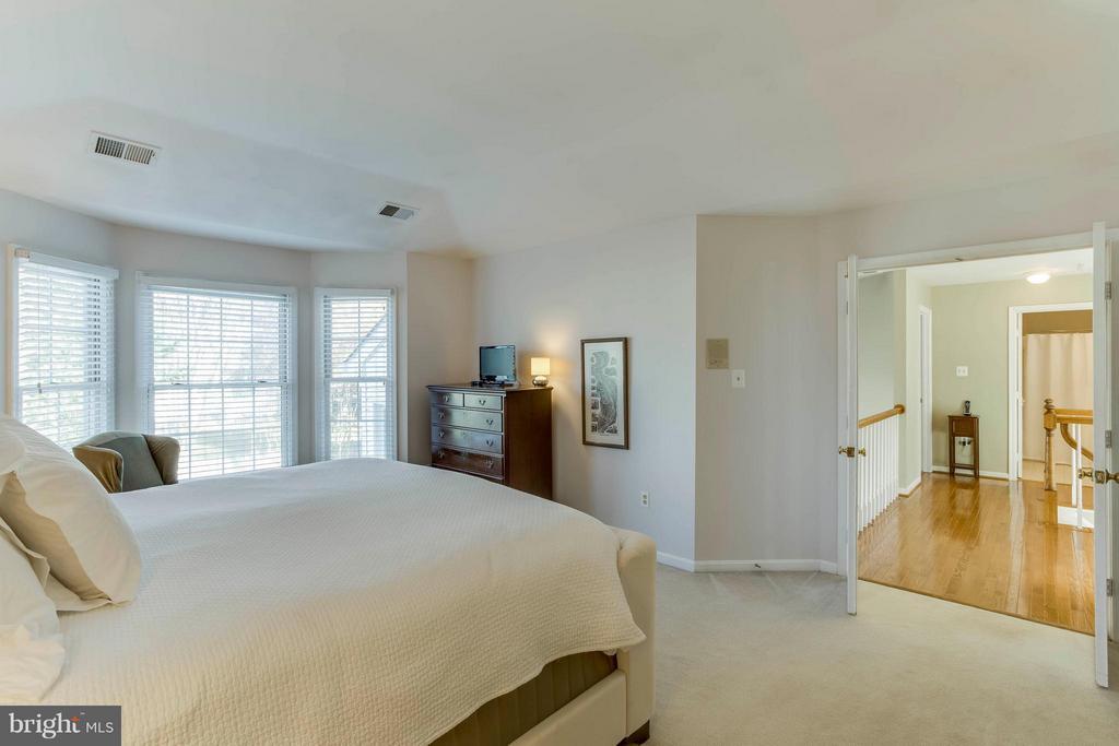 Master bedroom faces back of home - 6 APPLING RD, STAFFORD