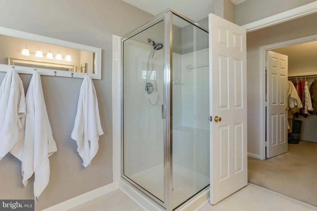 Bath (Master) seperate shower - 6 APPLING RD, STAFFORD