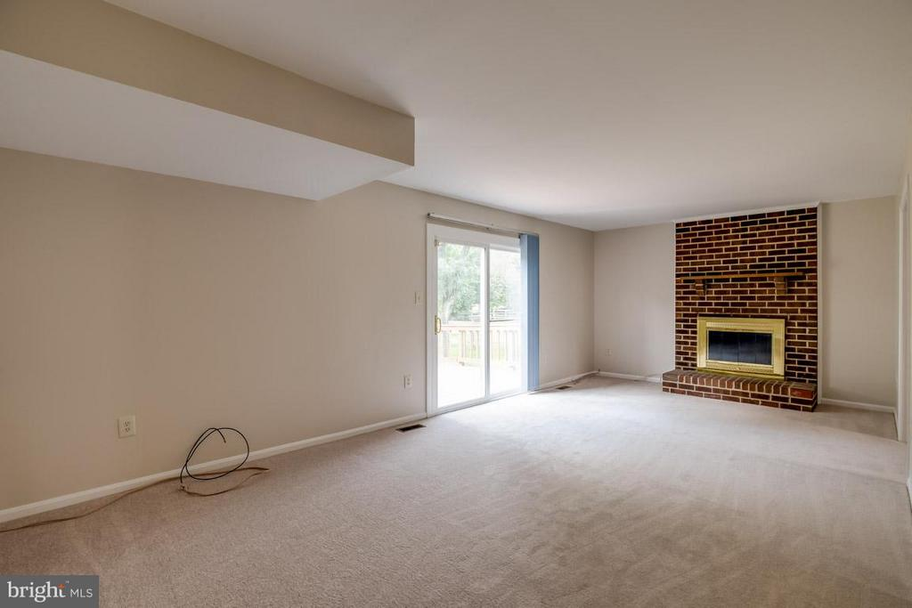 Family Room - 13609 DAIRY LOU CT, OAK HILL