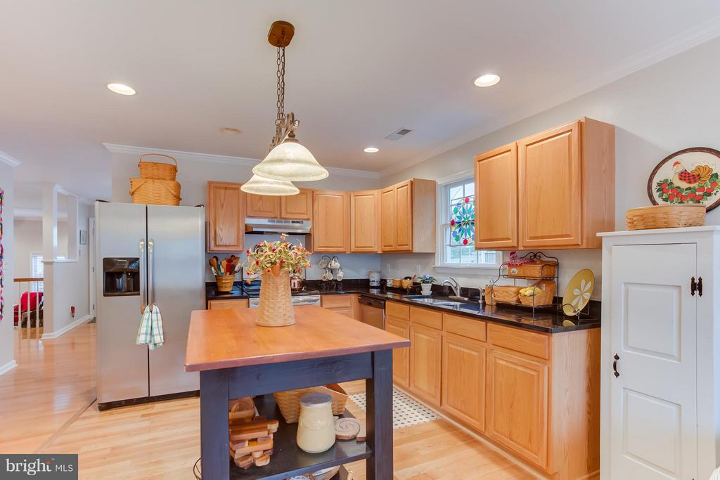 Kitchen with Island - 107 PINE CT, GORDONSVILLE