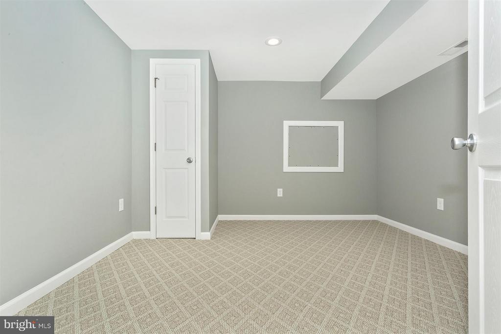 Basement bonus room. - 8 TANEY CT, TANEYTOWN