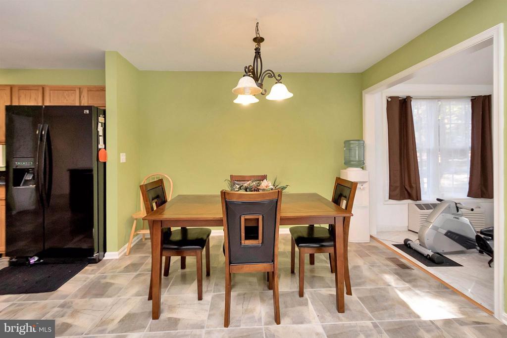 Dining Room - 1010 CONFEDERATE DR, LOCUST GROVE