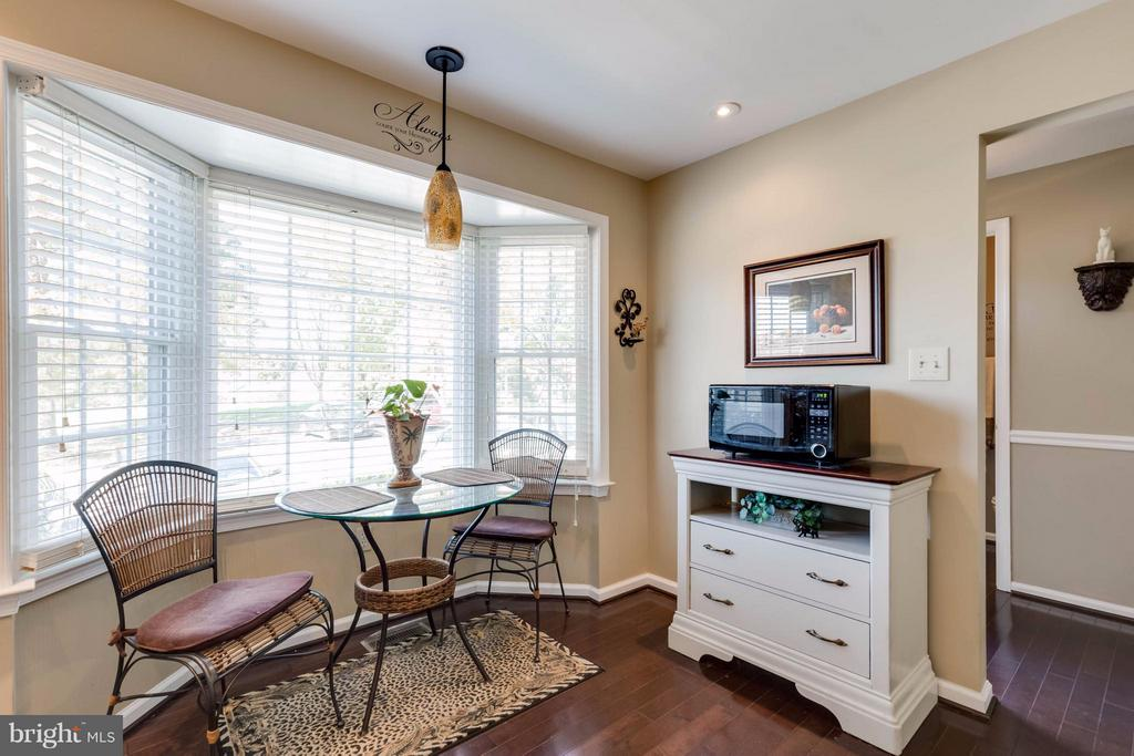 Room for a table - 14428 SALISBURY PLAIN CT, CENTREVILLE