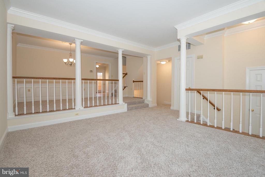 Living Room - 6537 MILVA LN, SPRINGFIELD