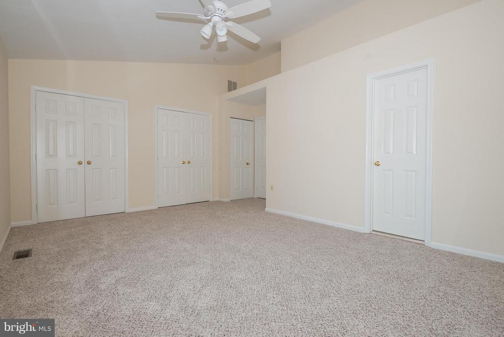 Bedroom (Master) - 6537 MILVA LN, SPRINGFIELD