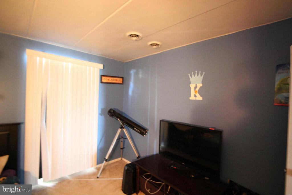 Bedroom - 2616 FORT FARNSWORTH RD #247, ALEXANDRIA