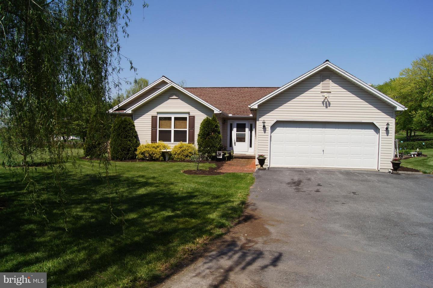 Single Family for Sale at 9400 Long Ln Greencastle, Pennsylvania 17225 United States