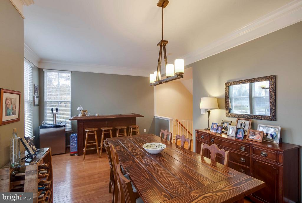 Perfect for Entertaining - 43119 HUNTERS GREEN SQ, BROADLANDS