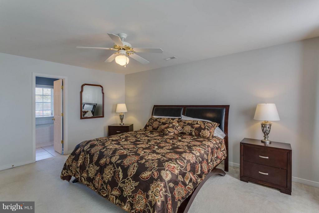 Bedroom (Master) - 5929 GLEN EAGLES DR, FREDERICKSBURG