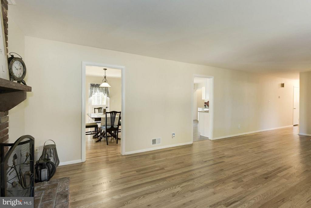 Family Room - 9521 4TH PL, LORTON