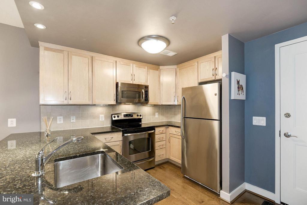 Kitchen - 888 QUINCY ST #1107, ARLINGTON